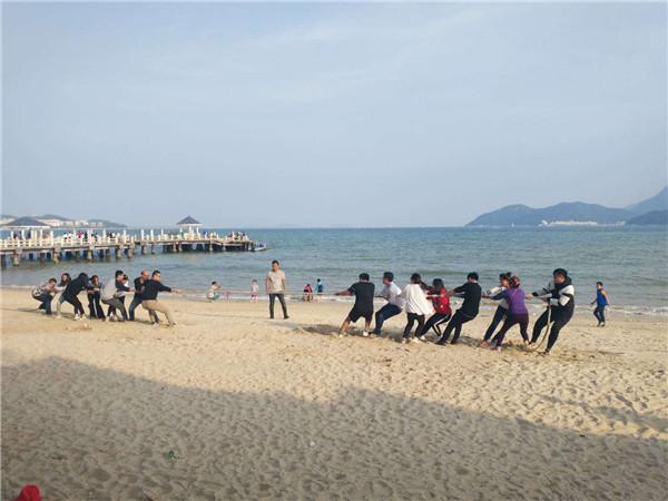 拔河比赛-沙滩团体拔河比赛活动规则注意